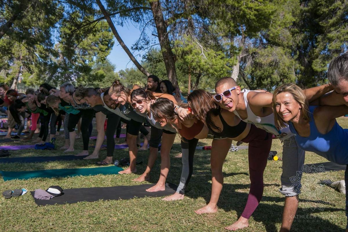 Yoga in the park ff5d61ef be44 4f75 a906 461f2852dbf1